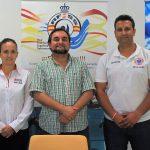 El concejal de Deportes de Motril (centro) con los organizadores de la jornada