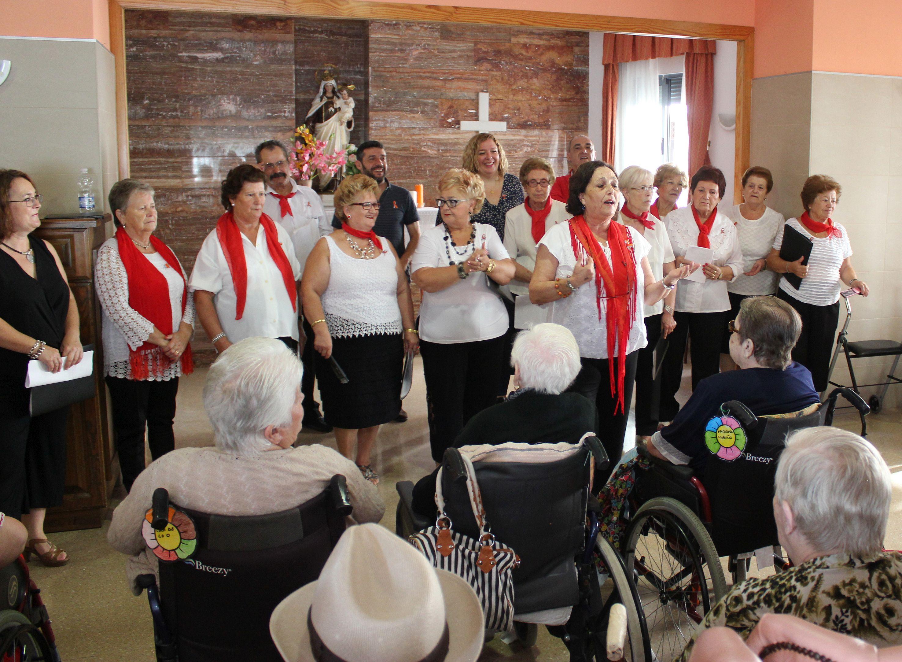 Actuación del Coro en la Residencia Nueva Vida